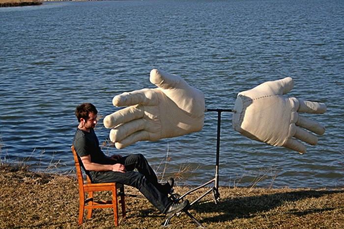 Странные скульптурные арт=объекты Майкла Бейтза. Еще одна разновидность современного уличного искусства