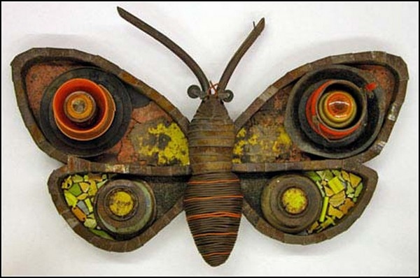 Бабочки из разного хлама