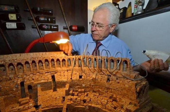 Колизей из 10.000 винных пробок. Скульптура от Ciro Califano