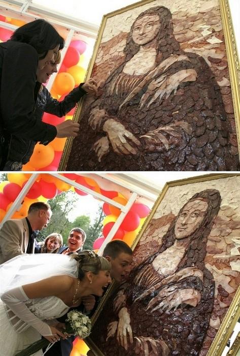 Мона Лиза из колбасы и сосисок разных сортов
