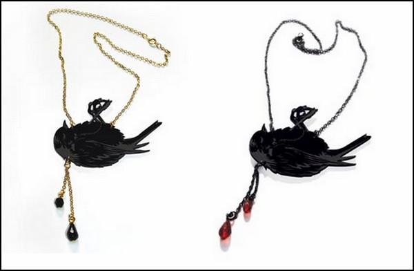 Morbid Jewelry. Мертвые птицы для украшения и устрашения