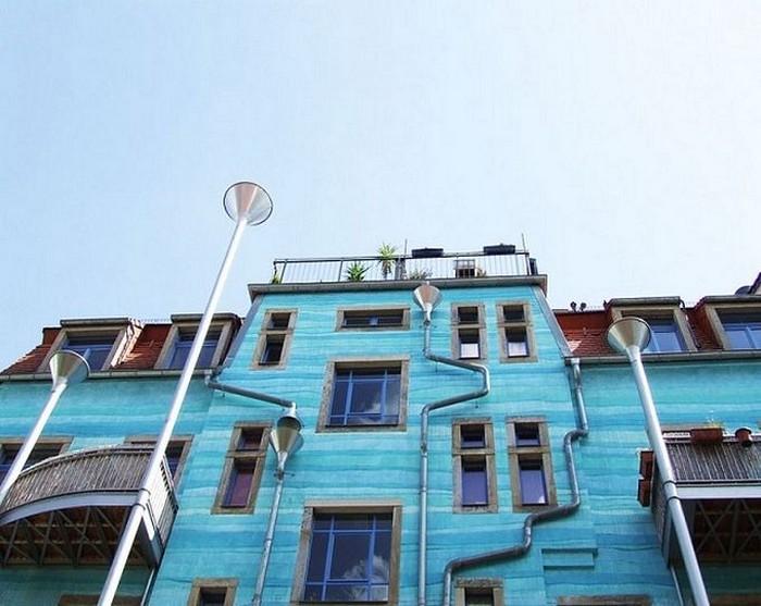 Kunsthofpassage Funnel Wall, музыка дождя на флейте водосточных труб