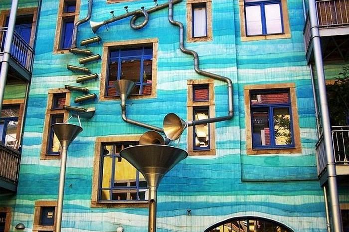 Kunsthofpassage Funnel Wall, музыкальный дом в Дрездене