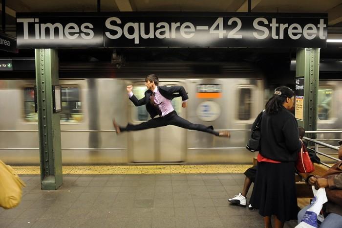 Dancers Among Us. Танцоры среди нас в арт-проекте Джордана Мэттера