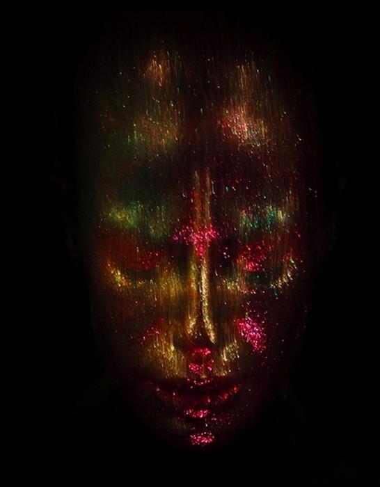 Автопортреты от Nadia Wicker. Яркая косметика и немного фотоманипуляции