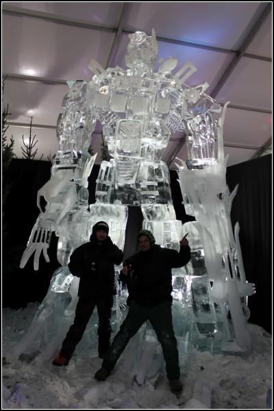 Восьмиметровый Optimus Prime из чистейшего льда