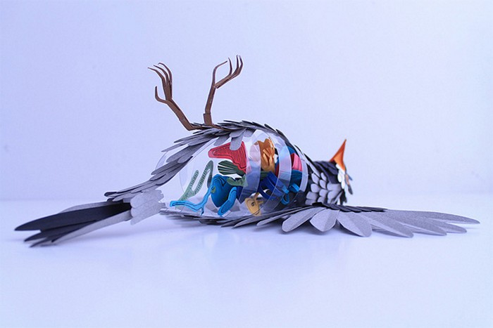 Вскрытие бумажных птичек. Серия скульптур Disecciones