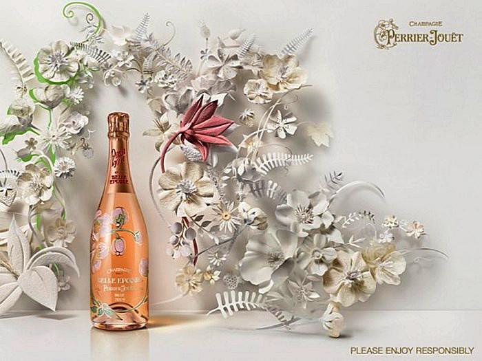 Бумажные цветы от Jo Lynn Alcorn к годовщине Perrier-Jouët