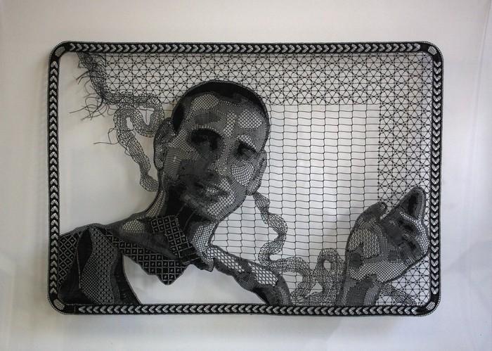 Портрет из коклюшечного кружева