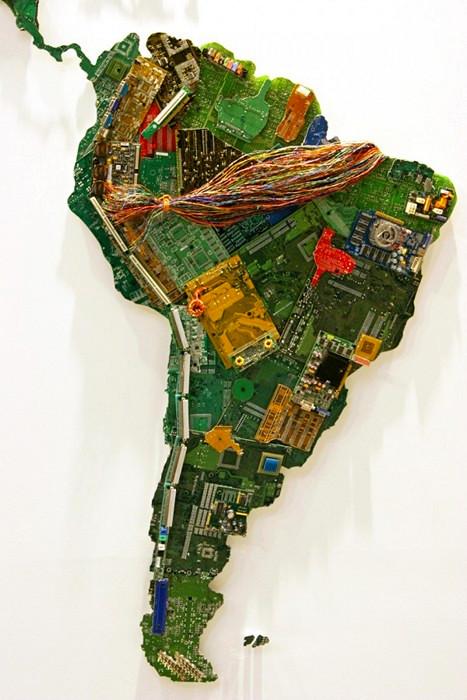 Южная Америка, фрагмент карты мира из компьютерных деталей