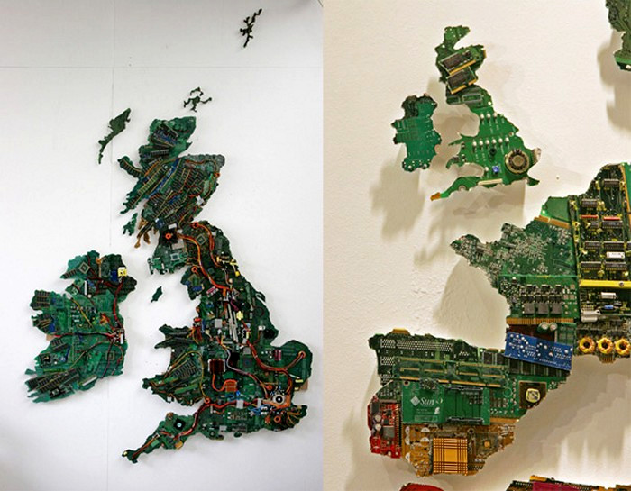 Фрагменты карты мира из поврежденных микросхем