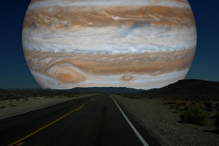 Юпитер вместо Луны. Космический арт-проект Рона Миллера