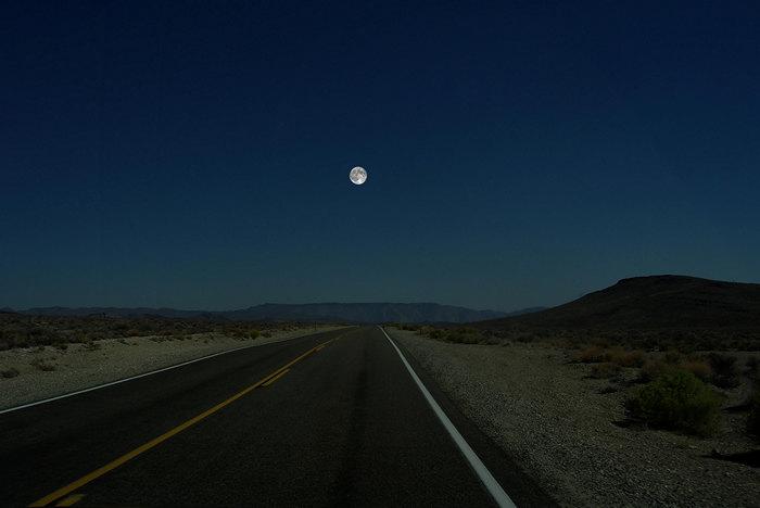 Луна в оригинале, как она есть