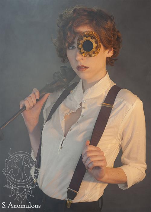 Демонические монокли от Kristen Phillips. Латексные аксессуары ручной работы