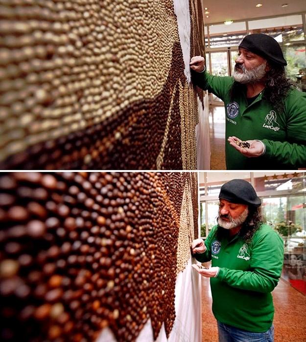 Единство пяти континентов. Мозаика из миллиона кофейных зерен Саимира Страти (Saimir Strati)