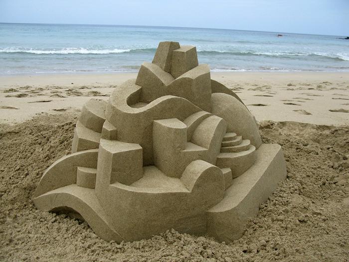 Геометрические песочные замки художника Кальвина Зайберта