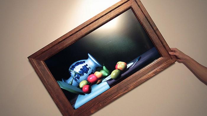 Необычная картина Still Life, которая взаимодействует с внешним миром
