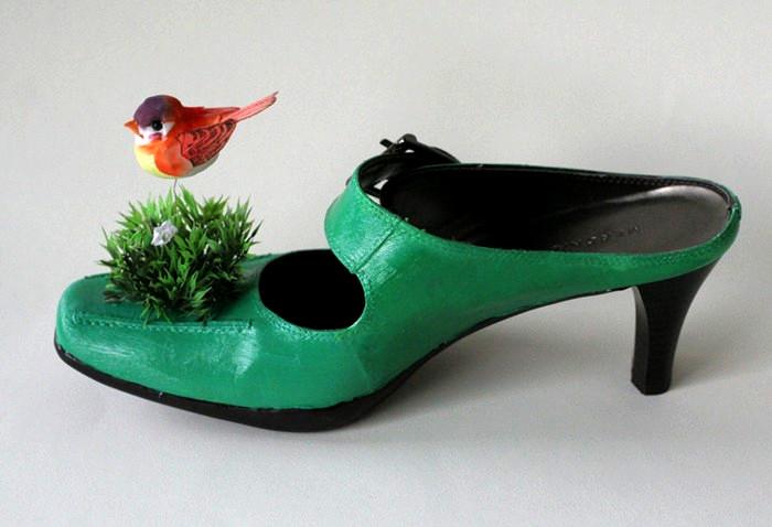 Обувь для лесных жителей. Арт-проект Шарлы Валески (Sharla Valeski) для выставки Shoe fly Shoe