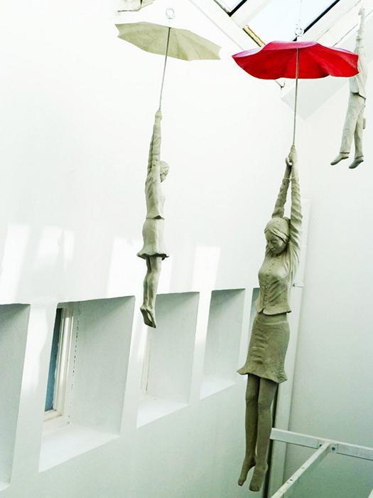 Инсталляция Slight Uncertainty от Michal Trpak