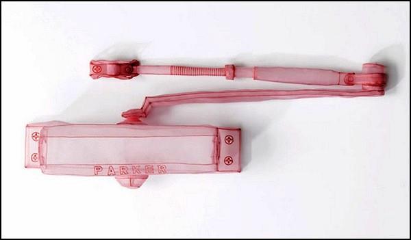 Образцы важных и нужных предметов из нейлона. Скульптуры Do Ho Suh