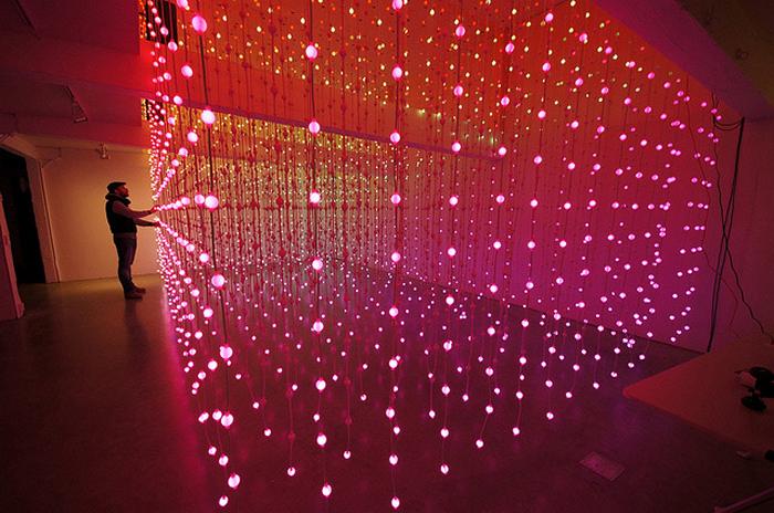 Submergence: интерактивная световая инсталляция от Squidsoup