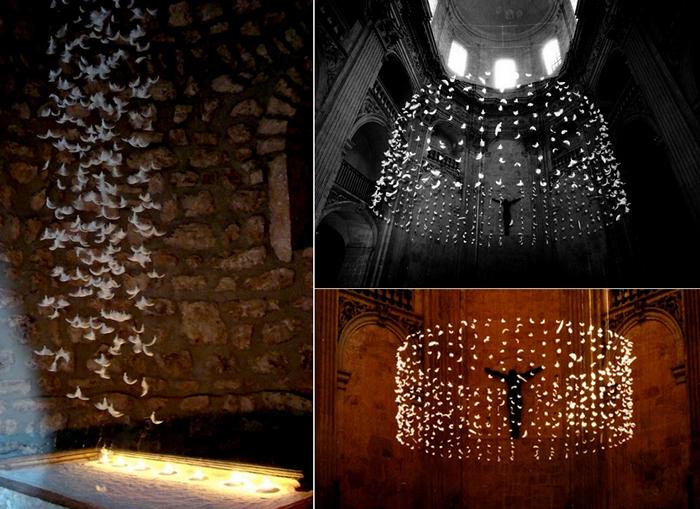 Инсталляции из подвешенных перьев от  Исы Барбье (Isa Barbier)