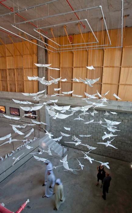 Инсталляция Suspended Together, керамические голуби для Саудовской Аравии