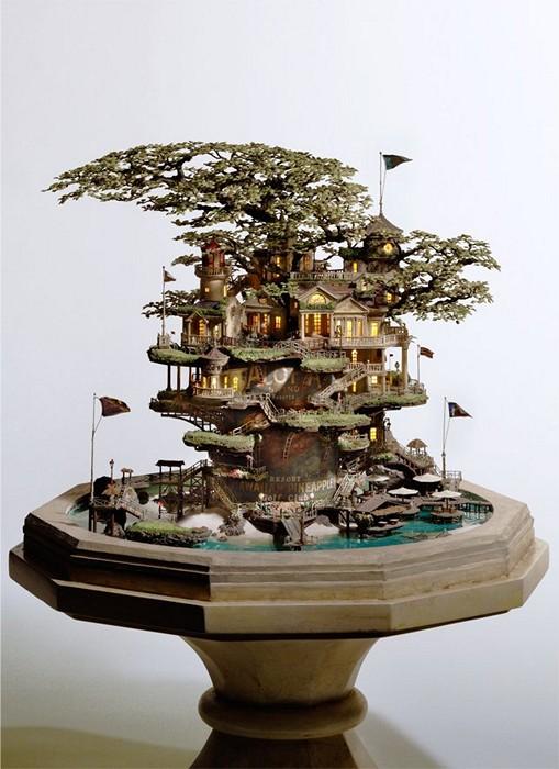 Японский бонсай в виде  скульптуры