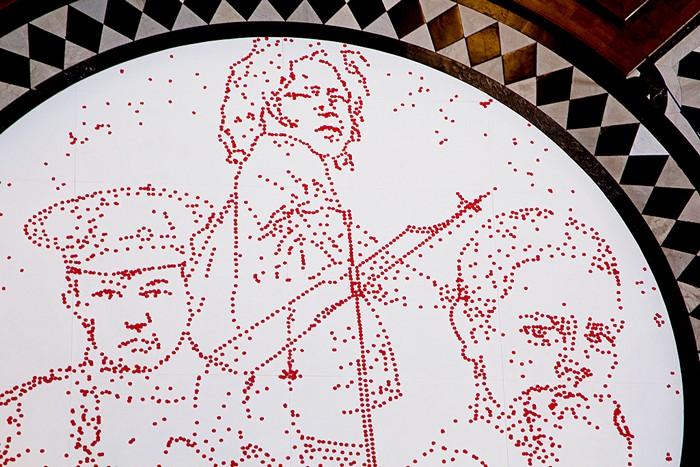Remembrance Day в Лондоне. Инсталляция из 5000 маков в память о детях-солдатах