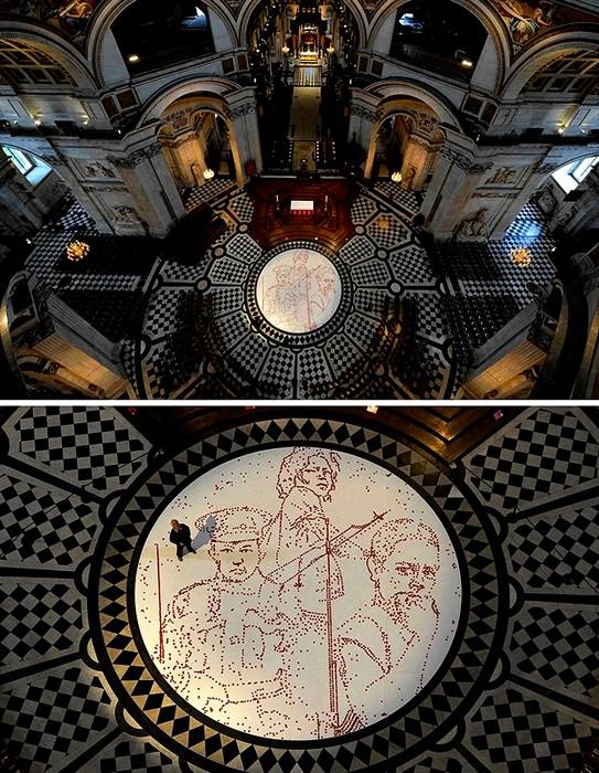 Remembrance Day в Лондоне. Инсталляция из 5000 маков в соборе Святого Павла в Лондоне