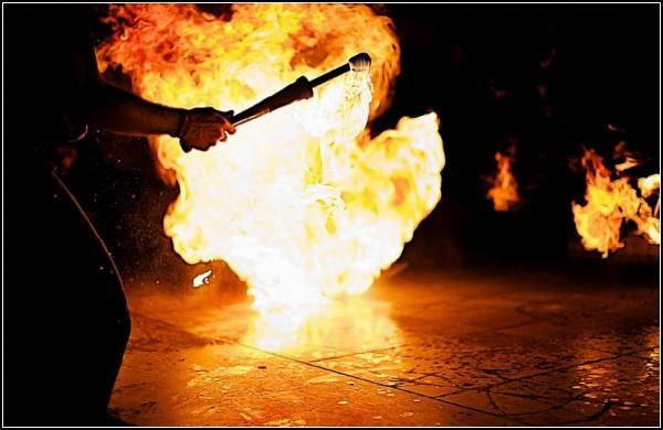 Фотопроект *Hot Spot*. Люди, которые плюются огнем