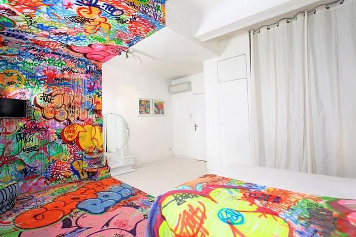 Арт-комната в французской гостинице Au Vieux Panier