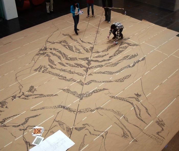 Тигровая шкура из 500 000 сигарет в рамках табачного арт-проекта