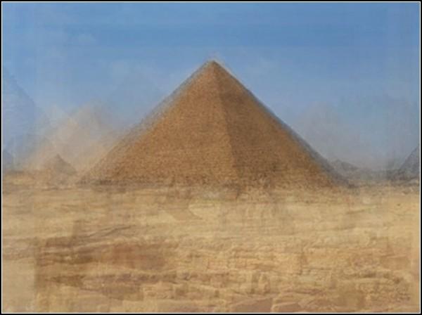 Гизские пирамиды от Коринн Вайоннет (Corinne Vionnet)