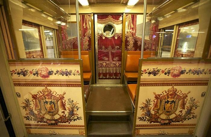 Chateau de Versailles train: Версальский дворец в парижской электричке