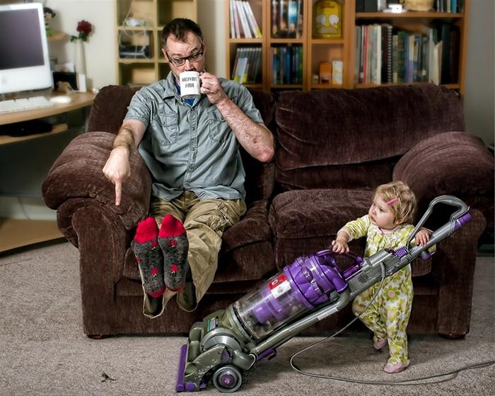 Когда за ребенком присматривает отец. Забавная серия фотографий Лучший в мире папа (World's Best Father)