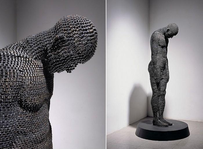 Скульптуры, составленные из велосипедных цепей
