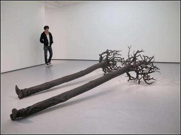 Скульптура *Мигрант*