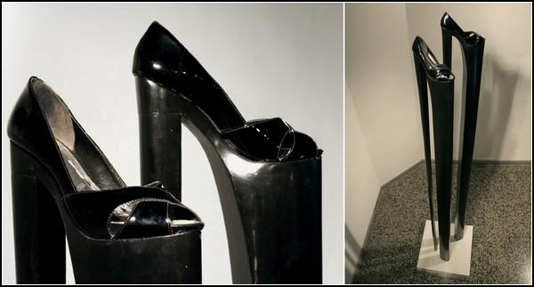 Так скульптор видит *Феминисток*