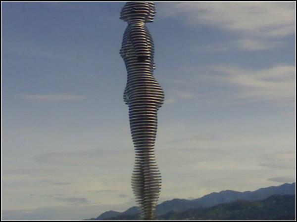 Скульптура *Любовь* от Тамар Квеситадзе