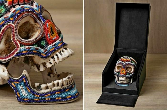 Черепа от Our Exquisite Corpse, украшенные бисером по узорам мексиканских индейцев