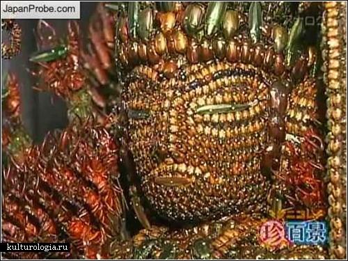 Статуя Будды из 20 тысяч мертвых насекомых