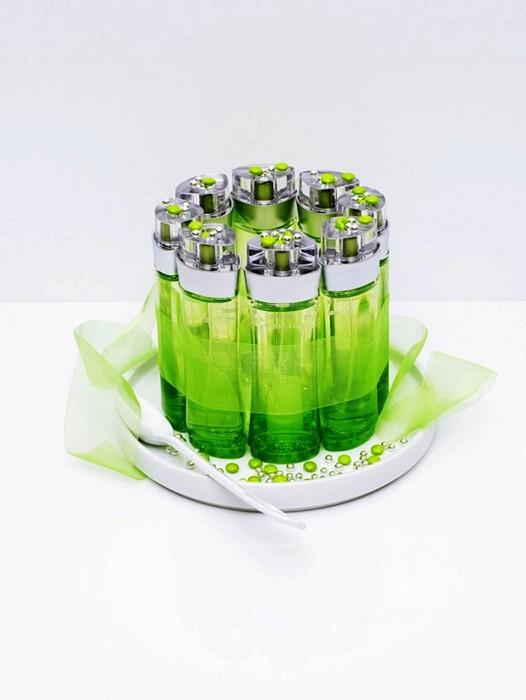 Ароматный десерт из флакончиков с духами. Фотопроект Flavoured Series