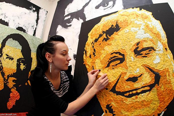Портреты из пожеванной жвачки от художницы Анны-Софии Матвеевой