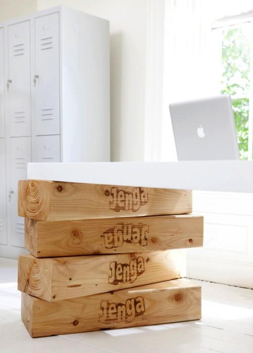 Стол на воздушных шариках. Арт-проект Hot Desk от Boys and Girls