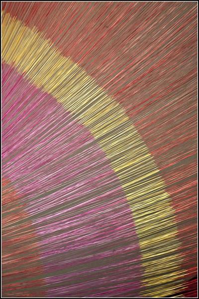 Инсталляция String Theory на основе индонезийской технологии плетения ткани