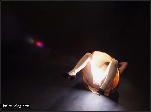 Lamp Girls. Женщины-лампы в инсталляции Марианны Марик (Marianne Maric)