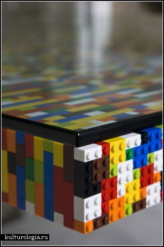 LEGO-стол для конференц-зала рекламного агентства Boys and Girls