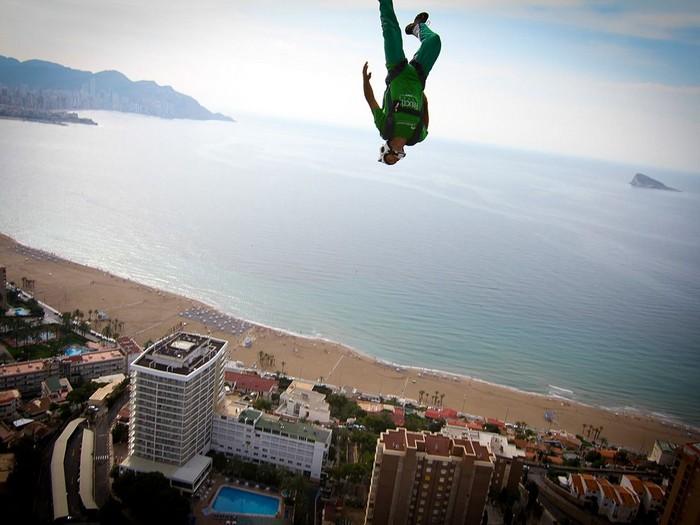 BASE Jumper, Spain