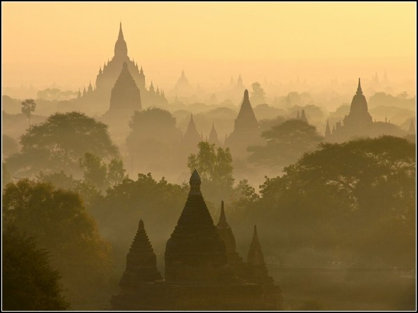 Sunrise Skyline, Bagan